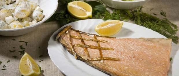 lomo de salmon con patatas y lechuga