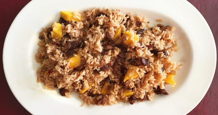 Entrante de risoto, mango y pasas