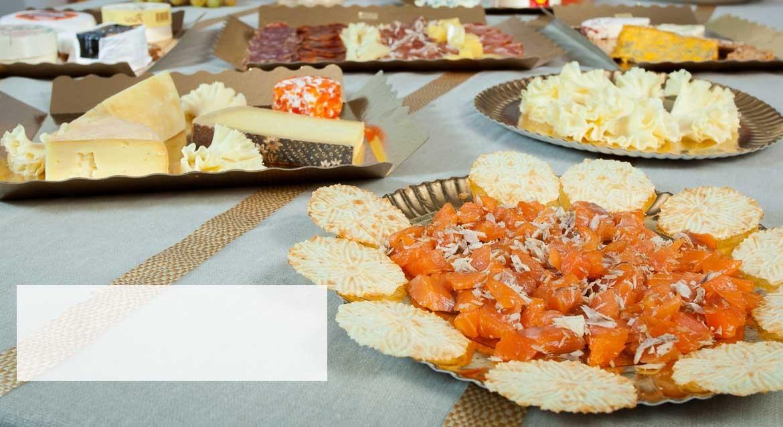 Bandeja de embutidos y quesos gourmet